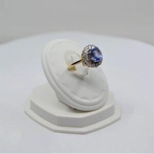 18k sapphire and diamond ring